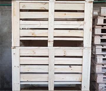 Tomatoes Crates